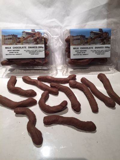CHOCOLATE SNAKES 200gm